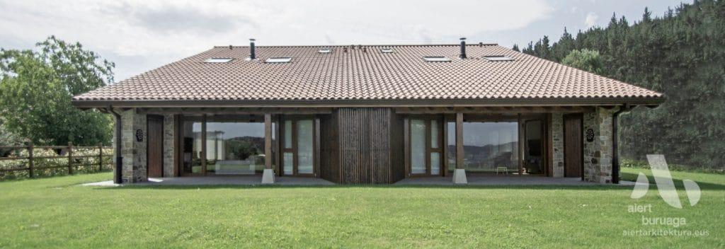 CONSTRUCCION DE VIVIENDA BIFAMILIAR  DE NUEVA PLANTA EN DIMA BIZKAIA ERAIKUNTZA ETXE BERRIA